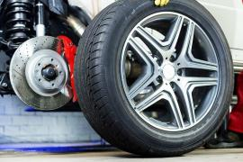 All season tyres Sell the tires and wheels on the car. Odessa